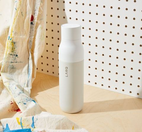 Do Yourself a Kindness and Get a Self-Cleaning, Bacteria-Killing Larq Bottle 2