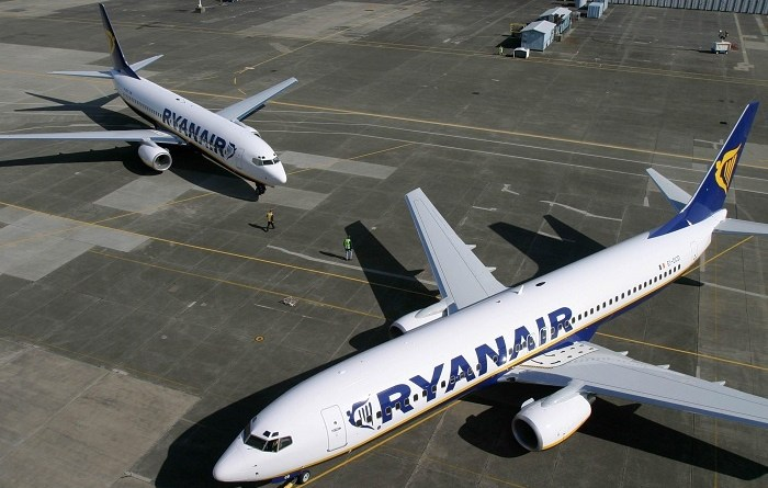 Ryanair reports sharp losses for first quarter 1