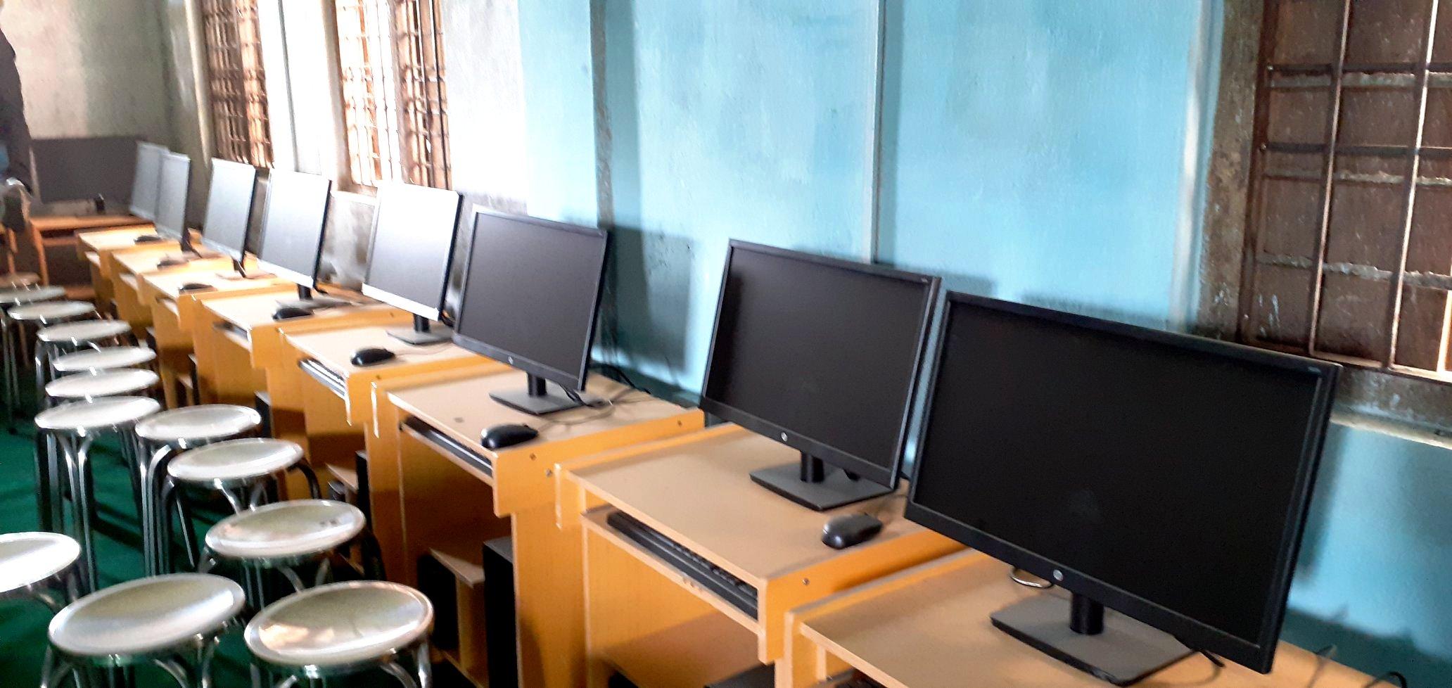 मावि पकरीको कम्प्युटर प्रयोग विहिन
