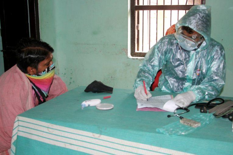 गजेन्द्रनारायण सिंह अस्पतालमा आईपुग्यो पीपीई सेट लगायतका सामग्री