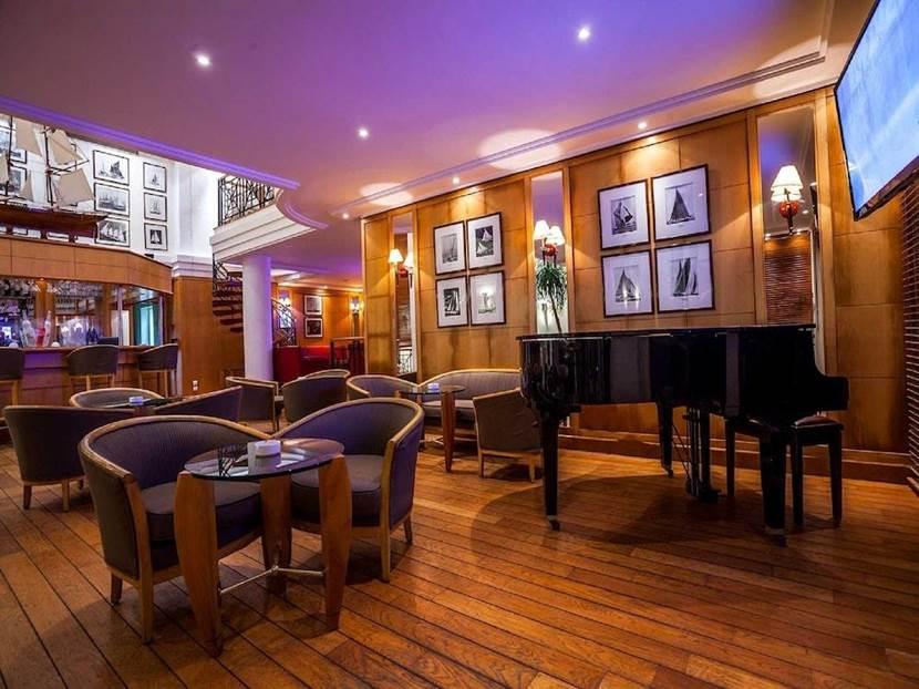 Le doke's Bar Marina