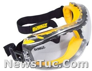 Dual Mold Casual DEWALT Concealer Clear Anti-Fog Clear Lens 1 Pair Safety Glasses