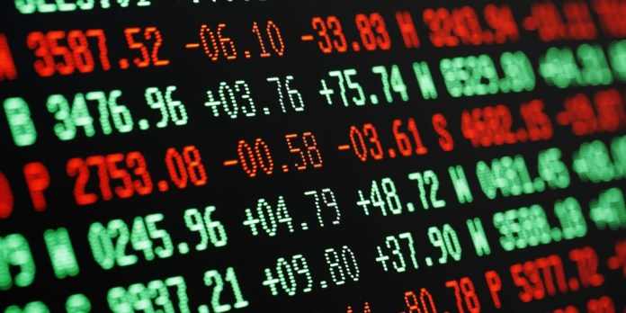 Financial experts tie stock market performance to September inflation data