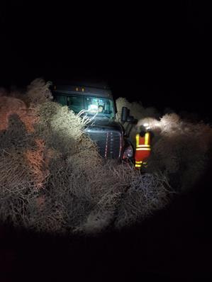 Snowplows used to remove tumbleweeds that blocked Washington highway forhours