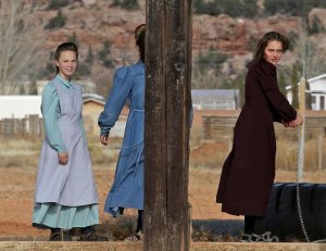 Utah advances bill to decriminalize polygamy