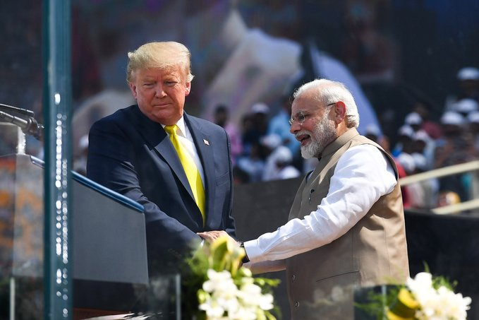 'Namaste Trump:' Trump promises bigly trade deal at bigly rally in India