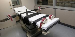 Daniel Lewis Lee executed after Supreme Court clears the way for first federal execution in 17 years