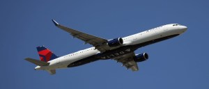 Delta Airlines turned back to the gate to kick 2 passengers off who refused to wear face masks