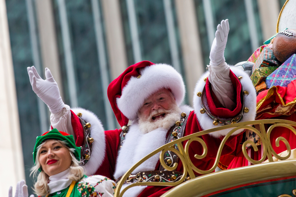 Trump Official Planned to Give Santa Claus Performers Early Access to Covid-19 Vaccine