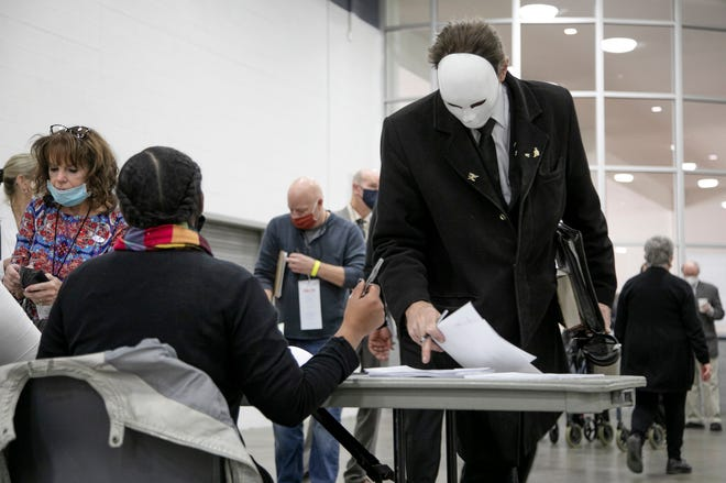 Ballot Processing Center in Detroit Removes Two Poll Challengers
