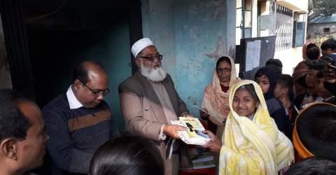নাটোরের বড়াইগ্রামের সাংবাদিক কণ্যা দিঘী অভিনয়ে জেলার প্রথম