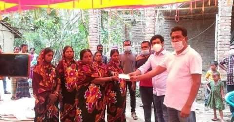 মণিরামপুরে সরকারি সহায়তা পেল আম্পানে নিহতদের পাঁচ পরিবার