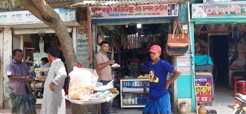 নাগরপুরে সরকারী বিধি নিষেধ মানছে না ক্রেতা ও ব্যবসায়ীরা