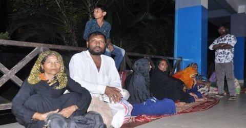 বরিশাল নৌ বন্দরে লঞ্চের আসায় কয়েক হাজার যাত্রী