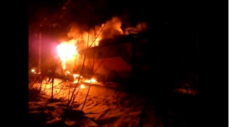 Bănița / tren în flăcări – VIDEO
