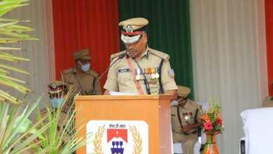 Photo of पुलिस मुख्यालय में डीजीपी एमवी राव ने फहराया तिरंगा, कहा- झारखंड पुलिस के काम की हर जगह हो रही है प्रशंसा