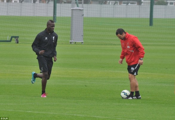 balotelli-liverpool-training-newswirengr-2