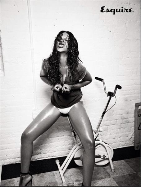 Rihanna-Instagram-Esquire-UK-December-2014-7-454x600