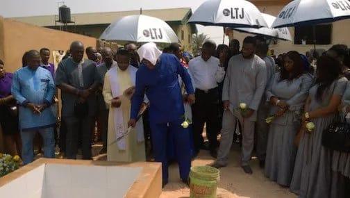 Kehi's wife burial 2