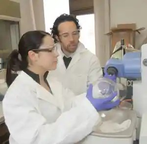 UTEP researchers at work in lab