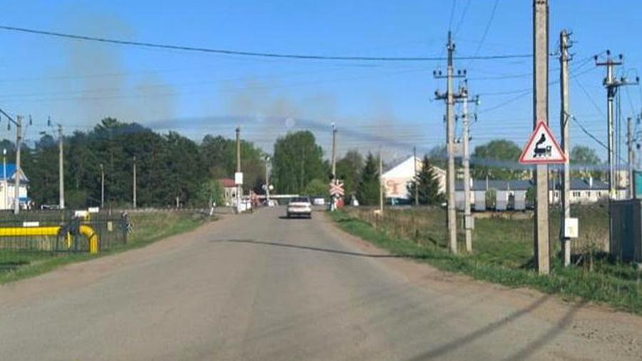 Жители села в Удмуртии начали покидать дома после взрывов боеприпасов