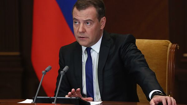 Медведев ответил накритику вадрес волонтеров