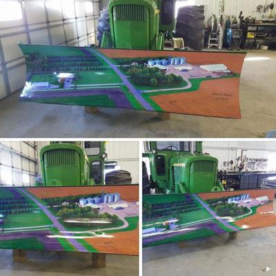 Tractor mural