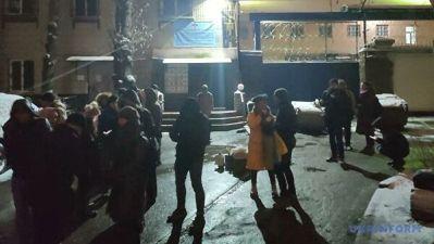 """В Киеве активисты блокируют СИЗО, где находятся экс-бойцы """"Беркута"""""""