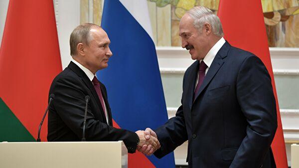 Путин провел телефонный разговор с Лукашенко