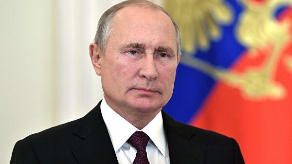 Путин наградил орденом Дружбы постоянного секретаря АН Франции