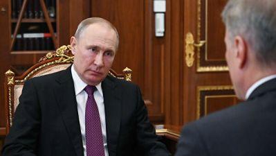 Путин предложил запретить двойное гражданство муниципальных служащих
