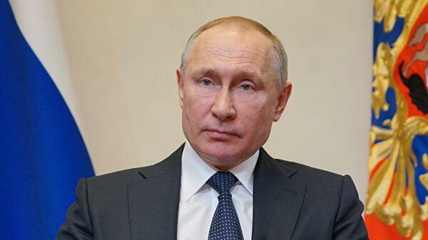 Путин намерен провести телефонный разговор с Макроном