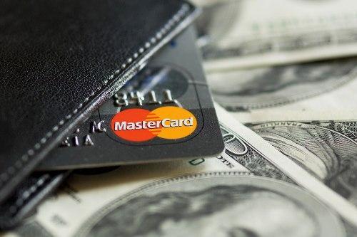 Что означает банковское снижение овердрафта по дебетовым картам?