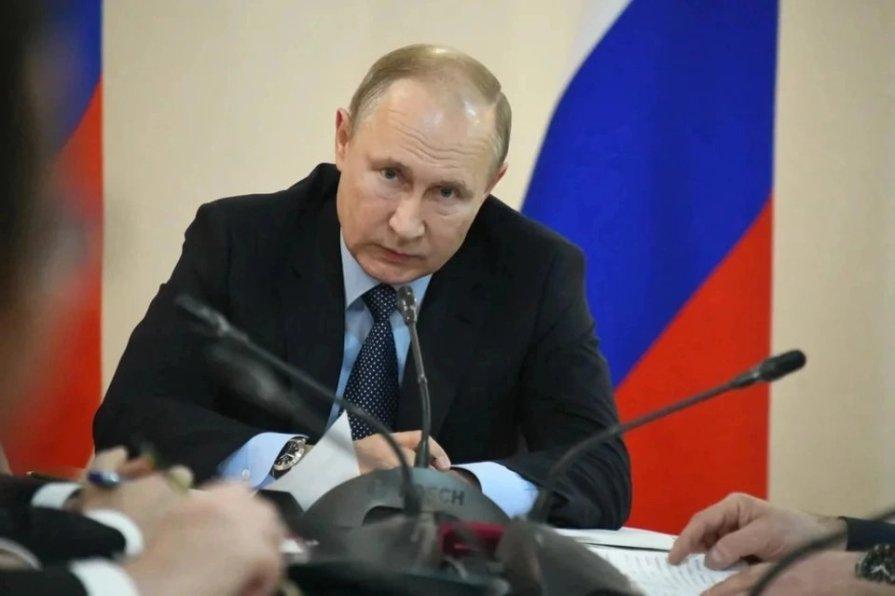 В Кремле прокомментировали выдвижение Путина на Нобелевскую премию