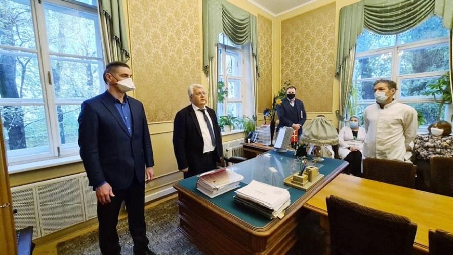 Назначен новый главврач клиники Св. Николая Чудотворца