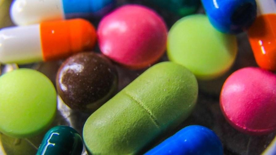 В Минздраве предупредили об угрозе самолечения антибиотиками в пандемию