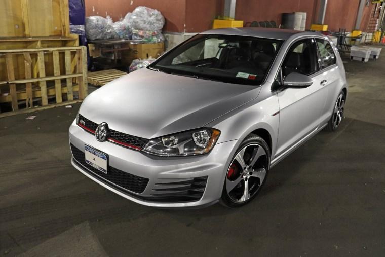 2016 Volkswagen GTI Mk7 on NewYorKars