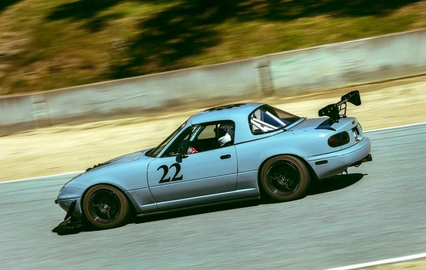 Oloi & NewYorkars' featured 1990 Mazda MX-5 Miata