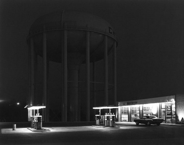 George Tice, Petit's Mobil Station, Cherry Hill, NJ, 1974.