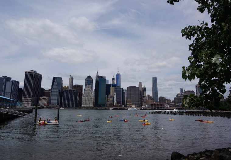 brooklyn-bridge-park-kayaking