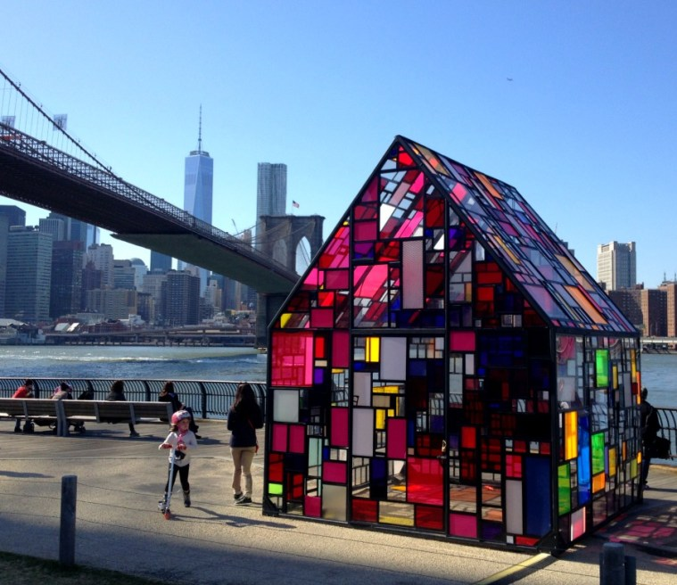 brooklynbridgepark-stained-glass-housw