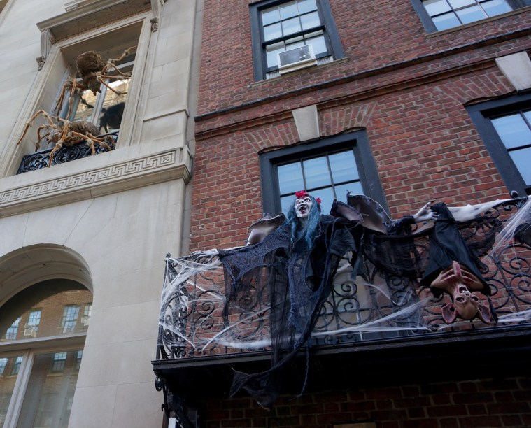 halloween-nyc-decorations