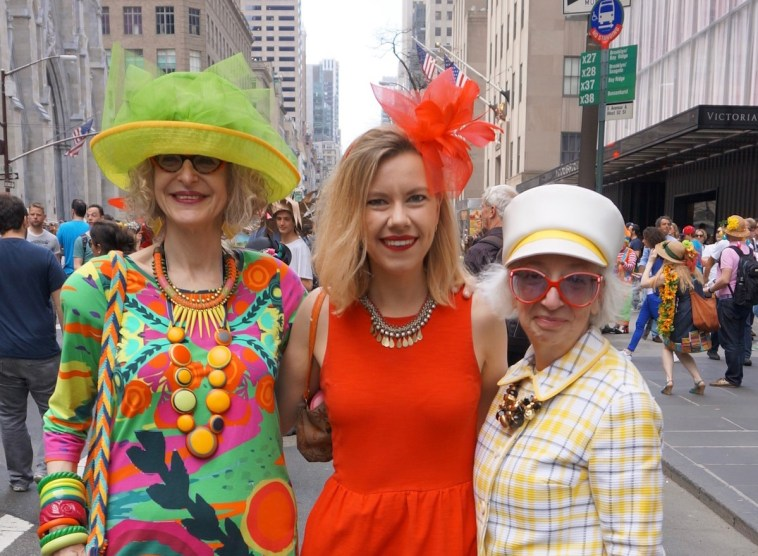 easter-bonnet-parade-2017-nyc-ladies-
