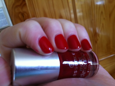 March Manicure Madness, Day Nine: Snow White, Rose Red (3/6)