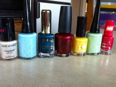 March Manicure Madness, Day Twenty Seven: Emma Bridgewater nails (4/6)