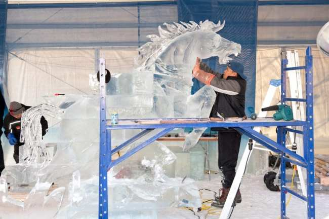 Watch ice artisans during the Downtown New York Rentals