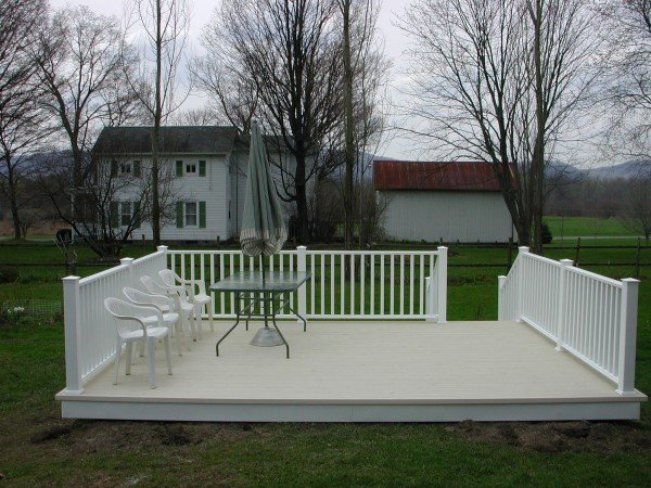 Customer Deck - Separate from House