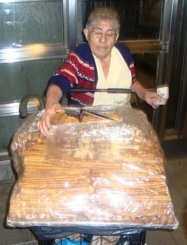 churro lady 2