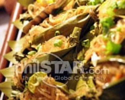 Cebuano specialty noodles combines glass and egg noodles, sautéed with local seafood. It is eaten on birthdays with the belief that noodles will bring long life.