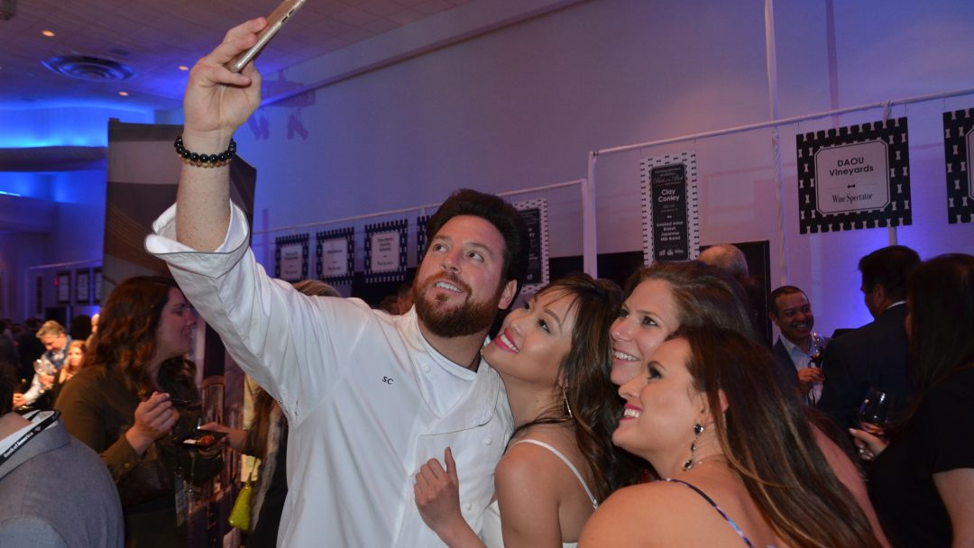 Chef Scott Conant with Fans